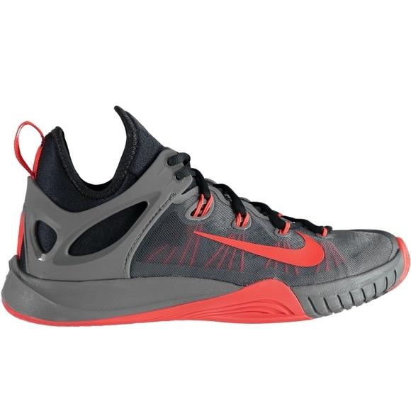 bcb81754d940 Nike Zoom HyperRev Basketball Shoe. M 5a99ccfc84b5cedc575b8e13